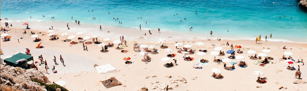 Het Turkse strand (Antalya)